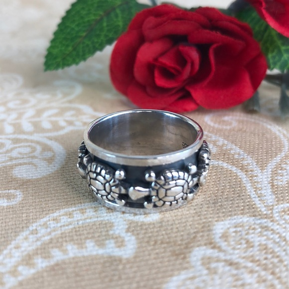 Kaki Jo's Closet Jewelry - Turtle Sterling Silver Spinner Band Ring